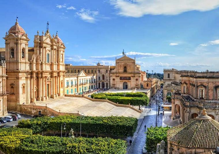 Noto customwalks tours