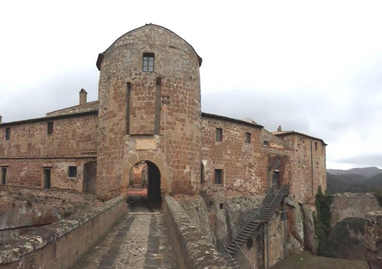 Sorano customwalks tuscany walking tours