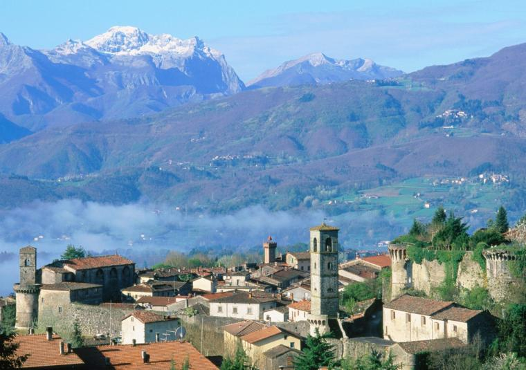 Castelnuovo di garfagnana and mountains