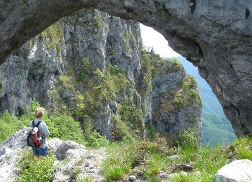 Vitsa thru archway-2